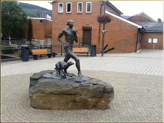 Guto statue in Mountain Ash